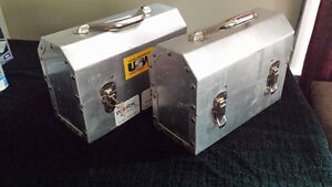 2 metal lunch boxes