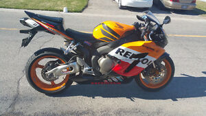 2005 CBR1000RR Repsol 27,200 KM - Excellent condition