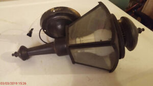 Outdoor Down or Upward Black Light Fixture with Clear Glass