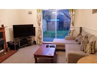 Furnished double room. Private parking & garden.Bills included
