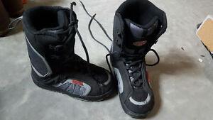 Black Lamar Junior lace up Boots