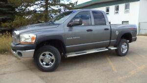 06 RAM 3500 - 4X4 -  4DR - AUTO - LOADED - ONLY 282,000KMS