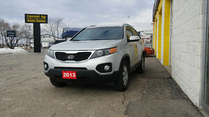 2013 Kia Sorento LX   AWD    $10997 Plus Taxe    Ph.204-339-1585