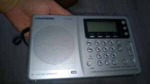 ETON Grundig Yacht Boy YB400PE AM/FM Shortwave Radio