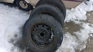 4tires and rims 15in 215/70R15 motomaster all season used