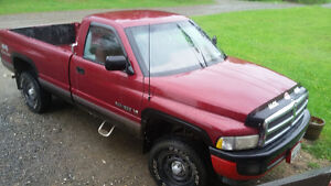 1995 Dodge Power Ram 1500 magum Pickup Truck