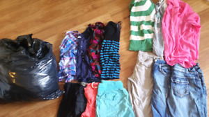 Womens clothes size large/xl mostly large