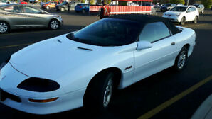 1995 Camaro Z-28 convertible ORIGINAL owner extremely rare MINT!