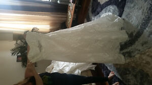 WEDDING GOWN BRAND NEW WITH TAGS SZ 16