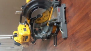 Double bevel brushless flexvolt Dewalt Mitre Saw
