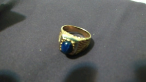 10k gold ring with star sapphire