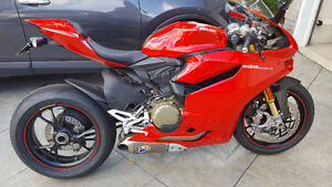 2013 Panigale 1199S Only 1800KMS!!