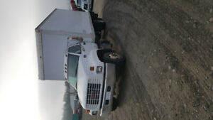 MUST SELL! 2000 GMC C6500 5 ton truck PRICED FOR QUICK SALE