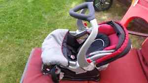 Baby trends car seat carrier .