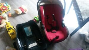 infant carseat and base