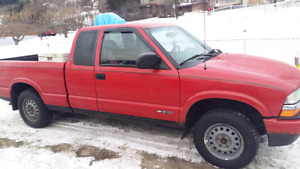 2002 Chevrolet s10 with job box