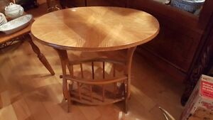 Vintage pressed wood oval accent table with built-in magazine West Island Greater Montréal image 2