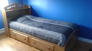 Mates Bed With Mattress
