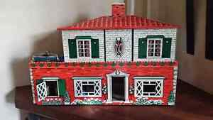 Metal dollhouse London Ontario image 2