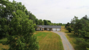 NEW PRICE new roof new video 3bd 2bth 1.8acres mins to Kingston