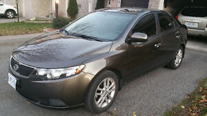 2011 Kia Forte EX Sedan like brand new $9500