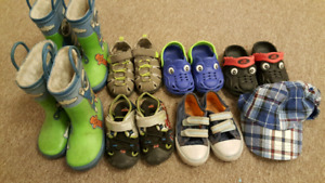 Boys shoes and size 18-2t