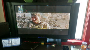 50 inch tv ( really heavy)  works great