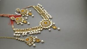 Stunning Indian Bollywood style choker Jewelry Necklace set.