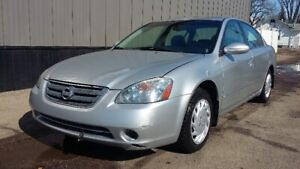 2003 Nissan Altima 2.5liter - Fully Loaded - Leather/Sunroof