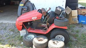 riding lawnmower 200 or trade for ??? Kawartha Lakes Peterborough Area image 2
