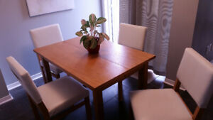 Kitchen Table and Matching Chairs !!!!!Dining Set!!!! leaf