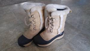 Women's Baffin Boots - size 8