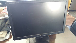 "17"" Computer Monitor. Choose from LG, HP, IBM, ACER, Flatron"
