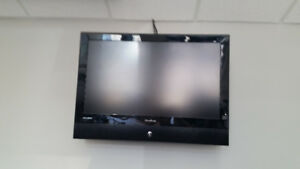 TV -32 inch Viewsonic. Comes with wall mount kit included.