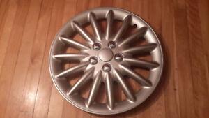 1 enjoliveur de roue / Cap Wheel Cover / 17po / Like New