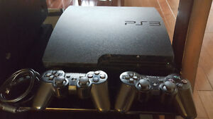 PLAYSTATION 3 CONSOLE + 2 CONTROLLERS + 14 GAMES