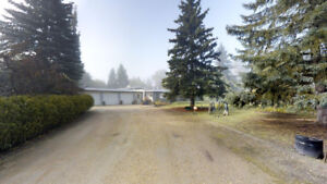 Stunning Acreage Close To Edmonton