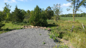 2.5 Acre building lot, 10 GPM well. Build your dream home!!!