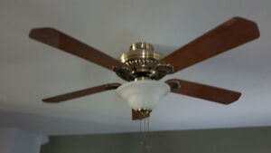 Ceiling fan, with 3 pull chain sys. (52 inch)  last chance must