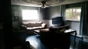 South London, Rooms for Rent -  young professional female London Ontario image 4