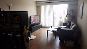 Large Bedroom For Rent By Metrotown Skytrain, Metropolis & BCIT