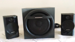 Insignia 2.1 Bluetooth Speaker with Subwoofer