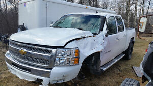 Parting out 2007 to 2013 Chev 1500 crew cab 4 x 4