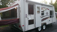 2009 Surveyor SV192T Hybrid Travel Trailer. must sell