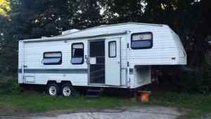 26' fifth wheel camper