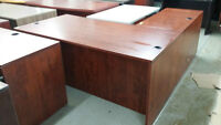 L-SHAPED DESKS SEVERAL AVAILABLE 6' BY 6' ONLY 325.00 Mississauga / Peel Region Toronto (GTA) Preview