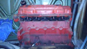 Moteur Chrysler 225 ci (Slant Six)