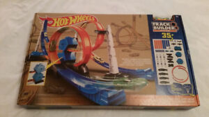 Brand New in Box - Hot Wheels - Track Builder System.