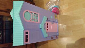 Barbie Forever Folding Townhouse