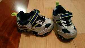Boys shoes (size 3)